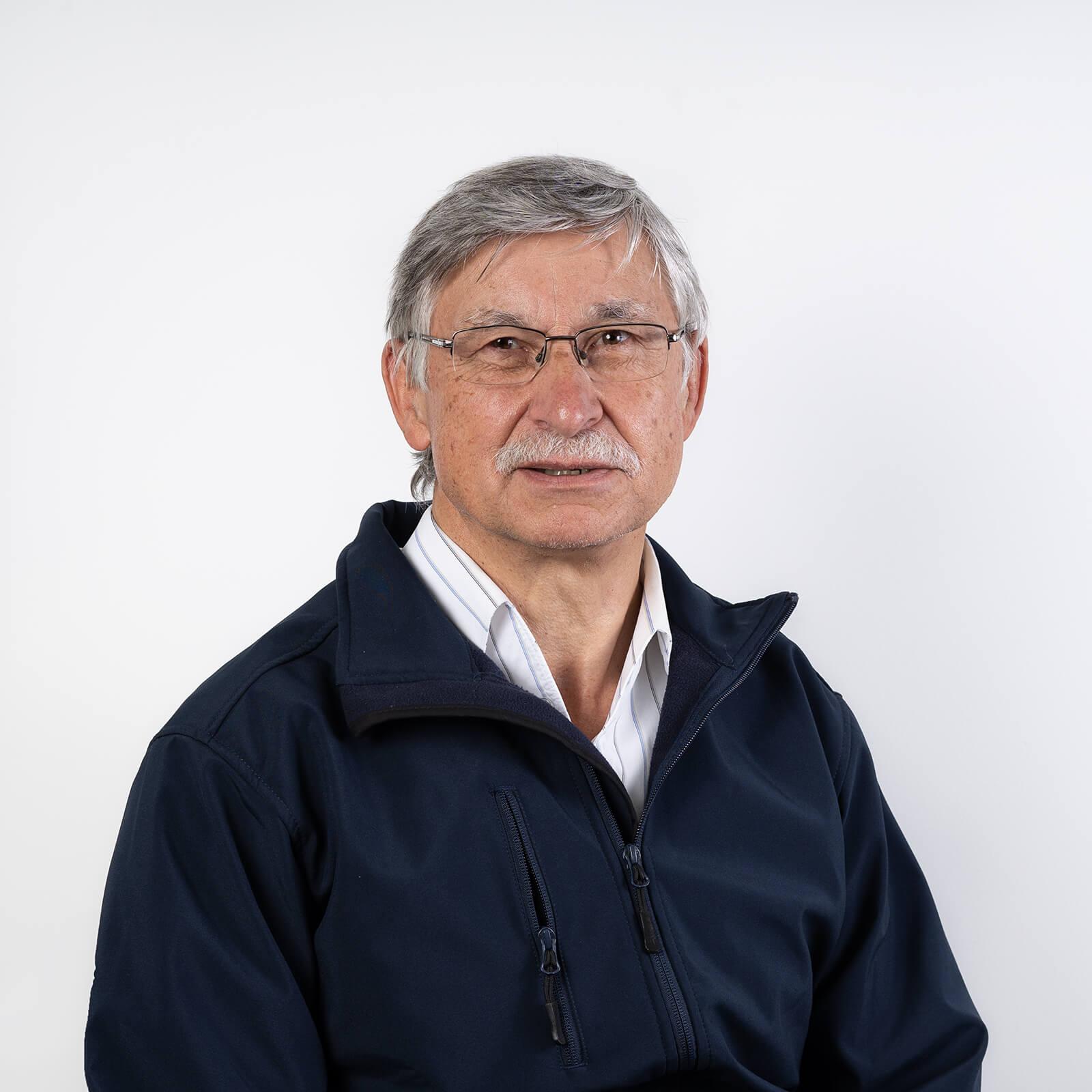 Herr Gerhard Lösel